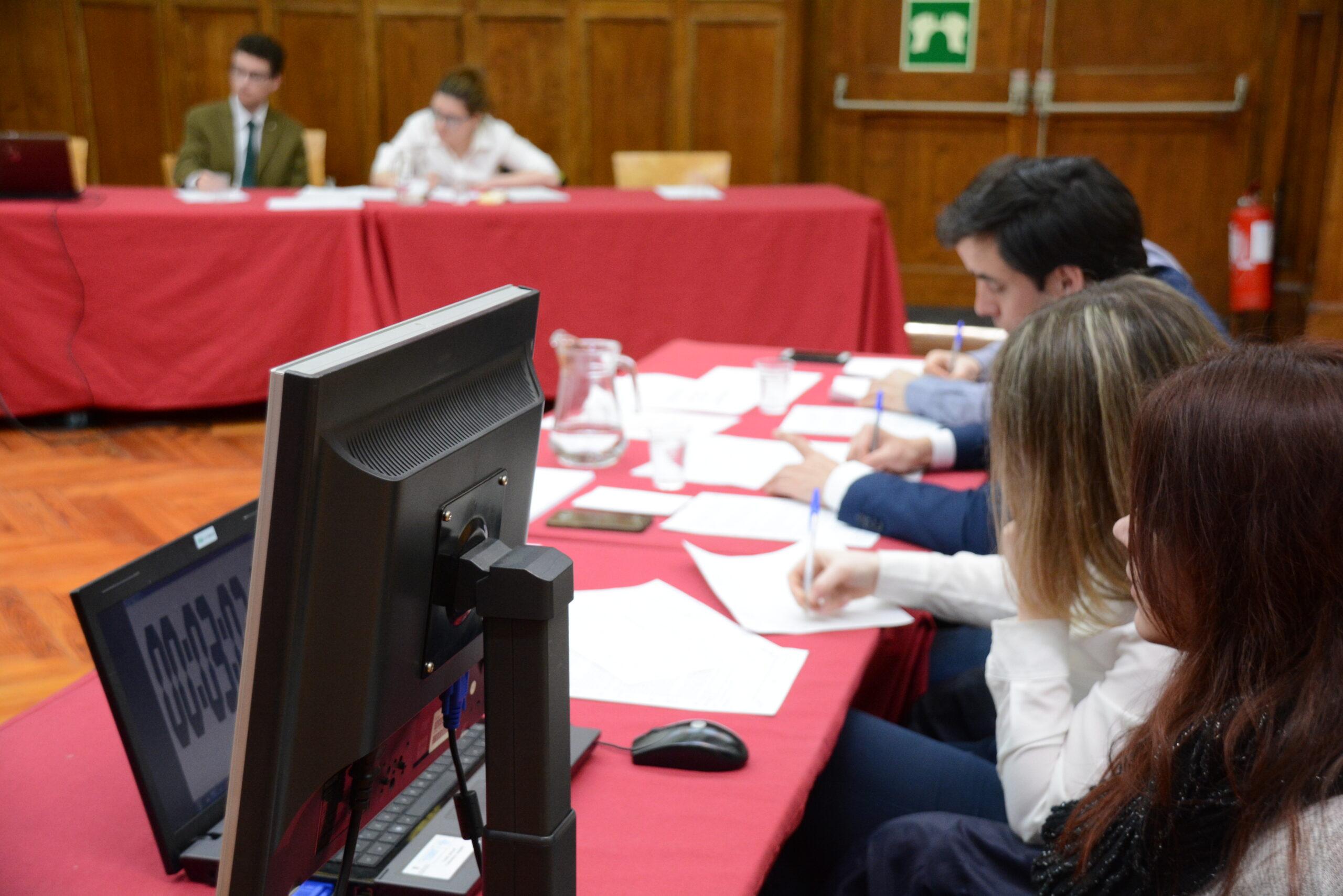 Curs Digital de Debat i Oratòria